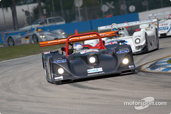 #77 Taurus Sports Racing Lola B2K/10: Phil Andrews, Justin Keen, Larry Oberto