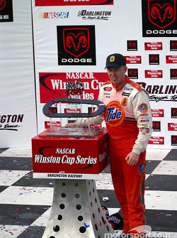 Ricky Craven with the winning trophy