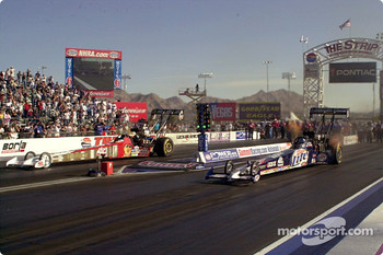 Larry Dixon and number one qualifier, Doug Kalitta, go against each other in the final round