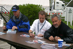 Autograph session: Randy Ruhlman, Bobby Sak and Stuart Hayner