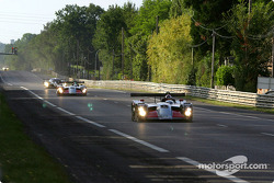 They're off: green flag for the first session of the 2003 24 Hours of Le Mans