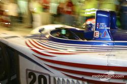 Pitstop for #29 Noel del Bello Racing Reynard 2KQ LM Lehmann: Jean-Luc Maury-Laribière, Didier André, Christophe Pillon