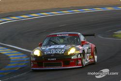 #77 Team Taisan Advan Porsche 911 GT3-RS: Atsushi Yogo, Akira Iida, Kazuyuki Nishizawa