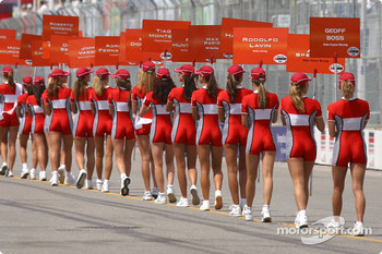 Molson Indy grid girls