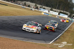 Jim Richards leads the field during the Porsche Cup qualifying