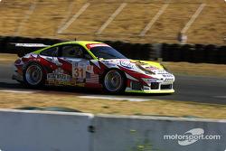 #31 White Lightning Petersen Motorsports Porsche 911 GT3 RS: Johnny Mowlem, Michael Petersen, Craig Stanton