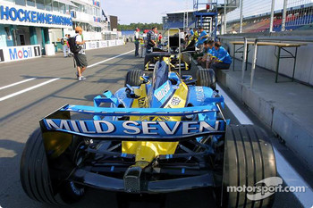 Renault F1 at technical inspection