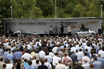 Kimi Raikkonen and David Coulthard visit Smart in Bblingen