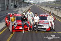 DTM Fotos - DTM vs Boxen: Danny Green, Martin Tomczyk, Markus Beyer und Bernd Schneider