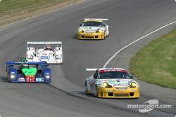 #23 Alex Job Racing Porsche 911 GT3 RS: Lucas Luhr, Sascha Maassen leads a group of cars