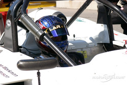 Pitstop for #18 Essex Racing Lola B2K/40 Nissan: Melanie Paterson, Jason Workman