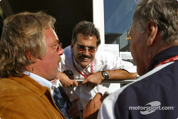 Keke Rosberg, Mario Theissen and Patrick Head