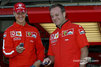 Vodafone promotional event: Michael Schumacher and Rubens Barrichello play DigiQFormula