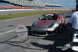 #83 Flying Lizard Motorsports Porsche GT3 RS: Johannes Van Overbeek, Seth Neiman, Lonnie Pechnik