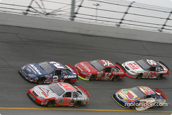 Start: Ron Hornaday and Kevin Harvick lead a group of car