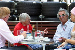 Bernie Ecclestone and Flavio Briatore have lunch