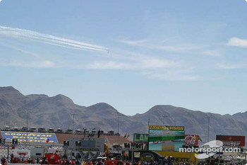 Thunderbirds fly over during lap 1