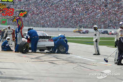 Pit stop for Larry Foyt