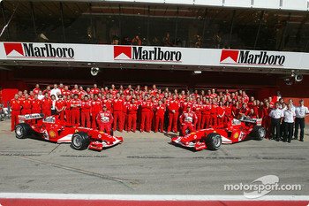 Family picture for Michael Schumacher, Rubens Barrichello and team Ferrari