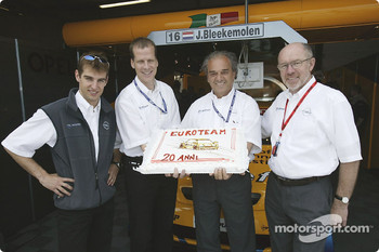 Jeroen Bleekemolen, Swen Knopp (Financial Affairs Opel Performance Center), Gabriele Seresina (OPC Euroteam), Berndt Wiesenhütter (Managing Director Opel Performance Center), celebrate 20th Anniversary of the Euroteam