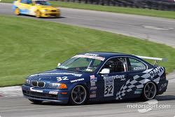Kird Azemar (#32 BMW 325)