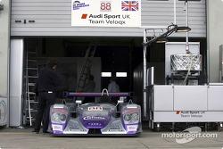Audi Sport UK Team Veloqx pit area