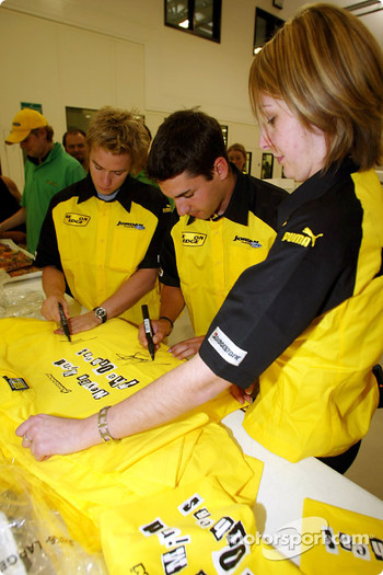 Nick Heidfeld and Timo Glock sign Jordan merchandise