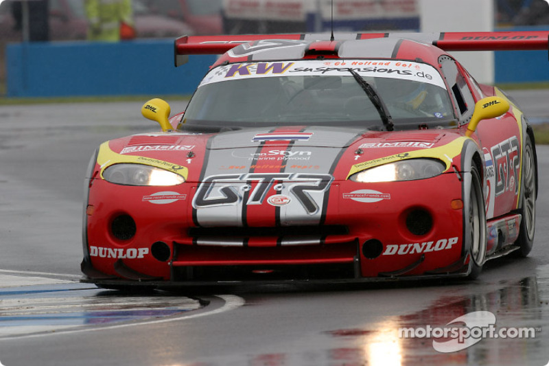 #9 Zwaan's Racing Chrysler Viper GTS: Val Hillebrand, Robert van der Zwaan