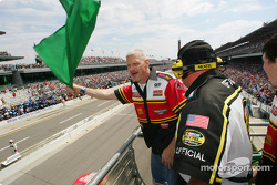 James Spencer waves green flag to start the 11th Brickyard 400