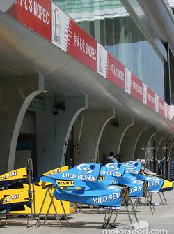 Renault garage area