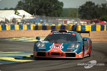 #34 Gulf Racing McLaren F1 GTR: Lindsay Owen-Jones, Pierre-Henri Raphanel, David Brabham