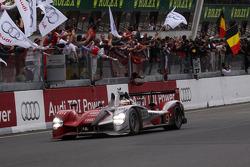 #9 Audi Sport North America Audi R15: Mike Rockenfeller, Timo Bernhard, Romain Dumas crosses the finish line to take the win