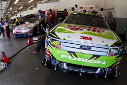 Greg Biffle's crew gets ready to practice
