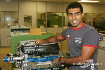 Karun Chandhok, Hispania Racing F1 Team, visit of the Cosworth factory in Northhampton
