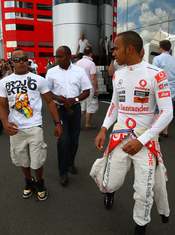 Nicholas Hamilton, Brother of Lewis Hamilton with Anthony Hamilton, Father of Lewis Hamilton and Lewis Hamilton, McLaren Mercedes