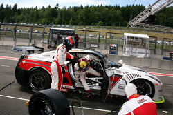 Pit stop for #4 Swiss Racing Team Nissan GT-R: Seiji Ara, Max Nilsson