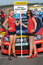 Shaun Hollamby's grid girl
