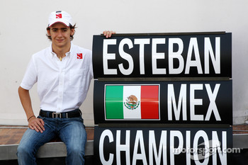 Esteban Gutierrez celebrates winning the GP3 Championship, with the BMW Sauber F1 Team