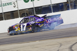 Matt Kenseth, Roush Fenway Racing Ford in trouble