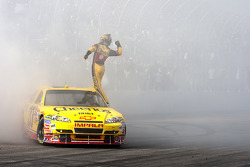 Race winner Clint Bowyer, Richard Childress Racing Chevrolet