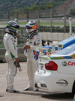 Augusto Farfus, BMW Team RBM, BMW 320si and Andy Priaulx, BMW Team RBM, BMW 320si