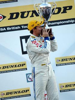 Independent Champion 2010 Tom Chilton