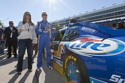 Kurt Busch, Penske Racing Dodge and his wife Eva