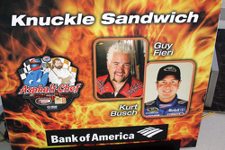 Asphalt Chef event: Knuckle Sandwich, Guy Fieri and Kurt Busch
