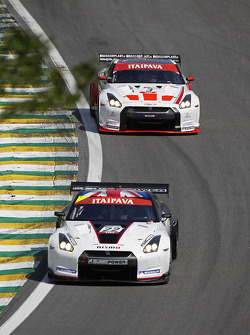 #22 Sumo Power GT Nissan GT-R: Warren Hughes, Jamie Campbell-Walter, #3 Swiss Racing Team Nissan GT-R: Karl Wendlinger, Henri Moser