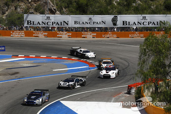 #10 Hexis AMR Aston Martin DB9: Clivio Piccione, Jonathan Hirschi leads a group of cars