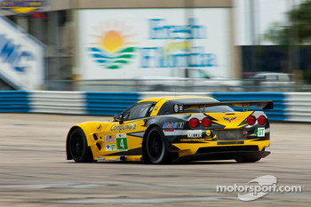 #4 Corvette Racing Chevrolet Corvette ZR1: Oliver Gavin, Jan Magnussen