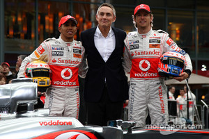Lewis Hamilton, McLaren Mercedes, Martin Whitmarsh, McLaren, Chief Executive Officer, Jenson Button, McLaren Mercedes