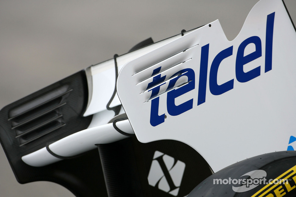 New Sauber F1 Team C30 technical detail, rear wing