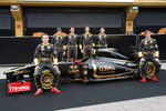 Robert Kubica, Lotus Renault GP, Jan Charouz, Bruno Senna, Romain Grosjean, Ho-Pin Tung, Vitaly Petrov, Lotus Renault GP